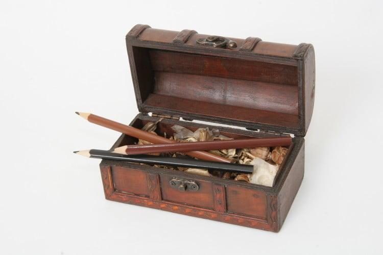 creioane in caseta