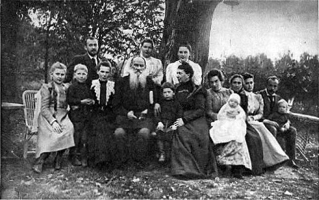 Alături de soţia şi copiii săi FOTO Wikipedia