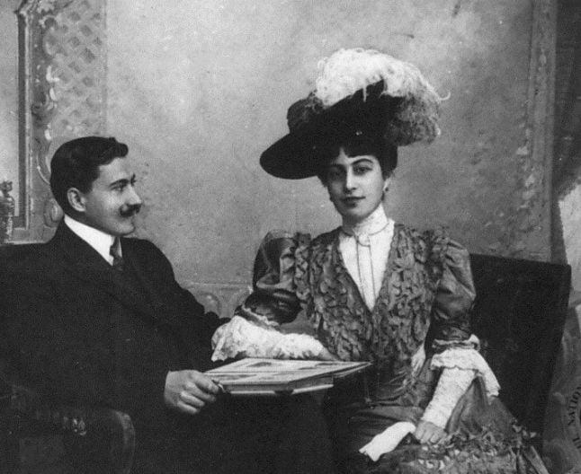 Magistratul Nicolae Papadat, alături de soţia lui, Hortensia Papadat-Bengescu